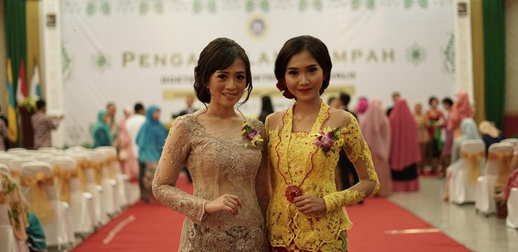 Two Best Graduates from Faculty of Dental Medicine Universitas Airlangga Gaining 3.96 GPA