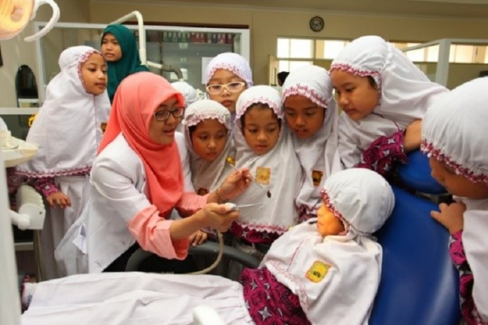 FKG Introduces Dental Health to Kids